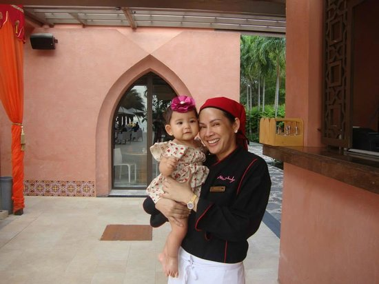 Marrakesh Hua Hin Resort & Spa: Picture with Chef before flying back to Manila