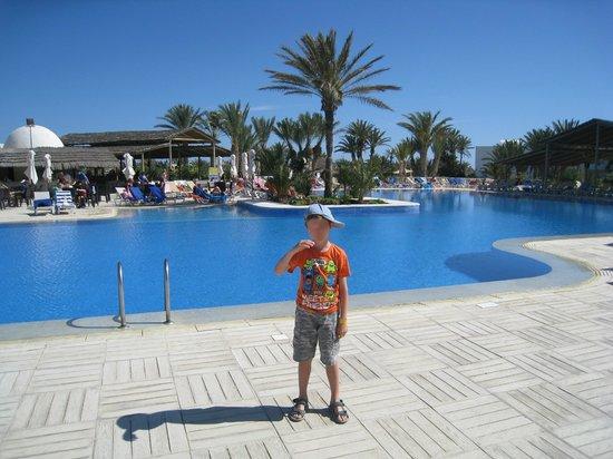 Seabel Rym Beach : La piscine principale