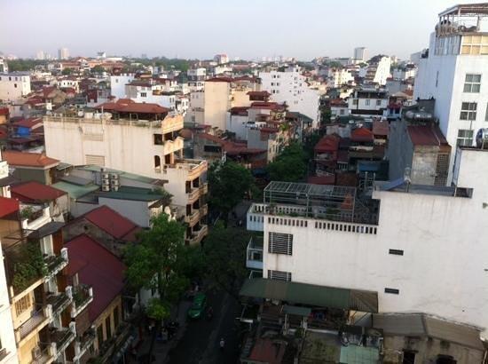 Maison D'Hanoi Hanova Hotel : Hanoi view from 12th floor suite room