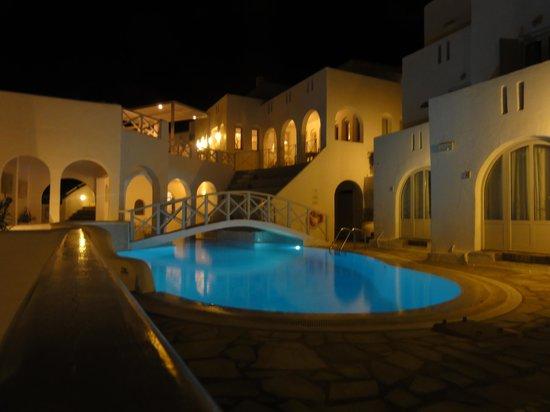 Kanale's rooms & suites: la piscine de nuit