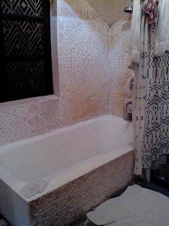 Meson Panza Verde: Suite 5 bathtub