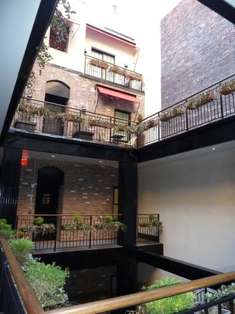 The Broome: courtyard