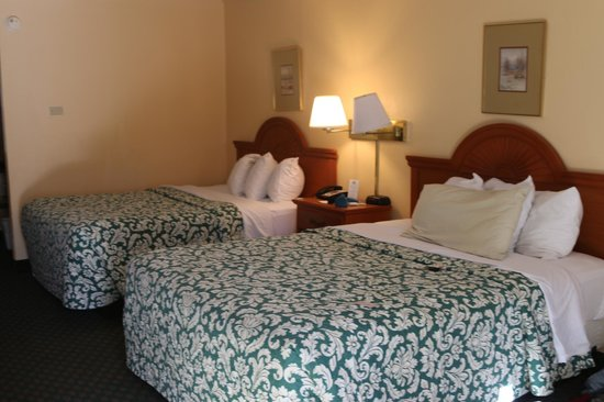 Days Inn Alexandria South : Two comfortable Queen beds