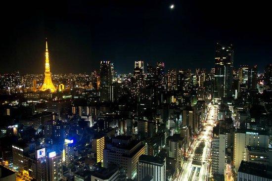 Park Hotel Tokyo: コーナーキング(タワーサイド)からの眺望 夜景