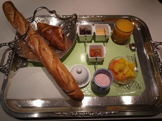 Le61Berthier: July.2012. - Breakfast  for 1person