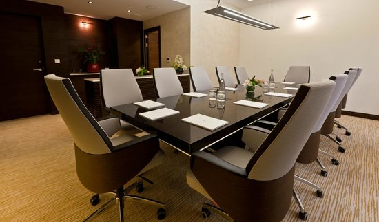 Zubarah Hotel: Meeting Room