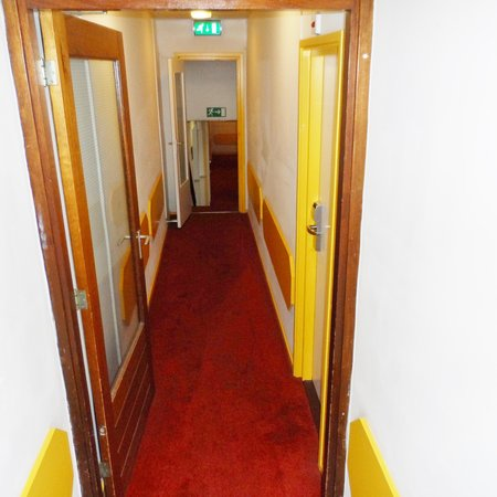 XO Hotels City Centre: corridor to 3th floor