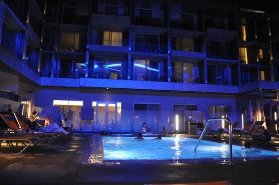 Shore Hotel : Piscina