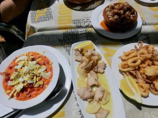 los Altramuces: Salmorejo, caracoles, lomo y calamares