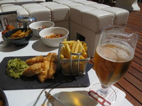 Hotel España: Tapas on the roof terrace