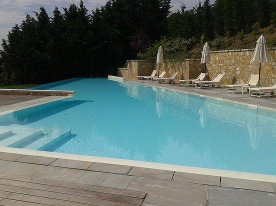 Relais Villa Belvedere: piscina