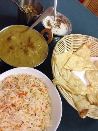 Diwali Restaurant: Chicken korma, roti and fragrant rice