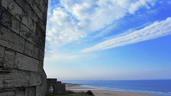 Dunstanburgh Castle Hotel: Bamburgh Beach