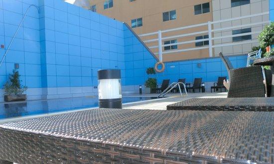 Copthorne Hotel Sharjah: Roof top pool