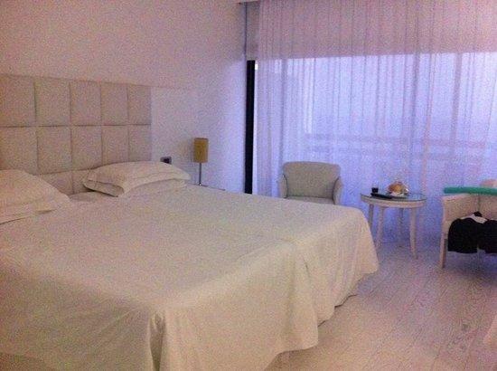 Grecian Bay Hotel : Double bed??