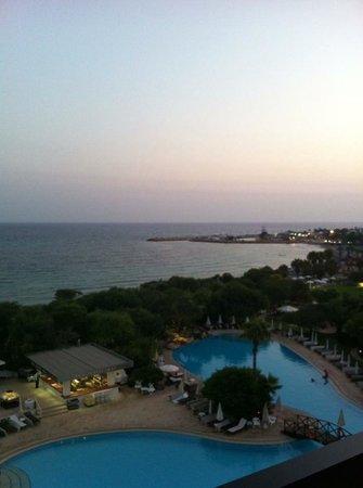 Grecian Bay Hotel : Sun set