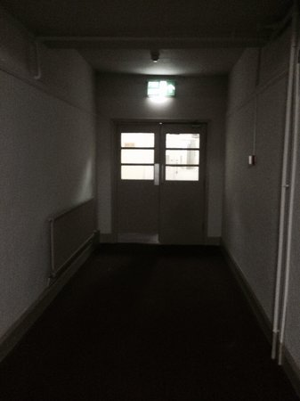 The Cliffs Hotel: Dark corridors