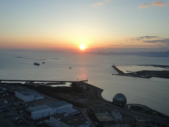 Osaka Prefectural Government Sakishima Building Observatory: Sunset view from Observatory Tower