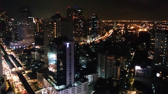 L'Appart - Sofitel Bangkok Sukhumvit: Another view from the balcony / terrace
