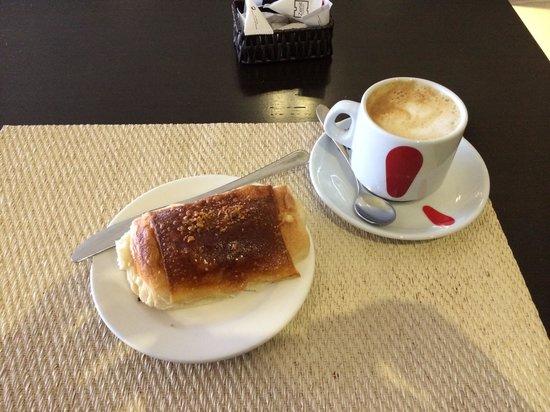 Hotel Zenit Pamplona: Desayuno en cafetería