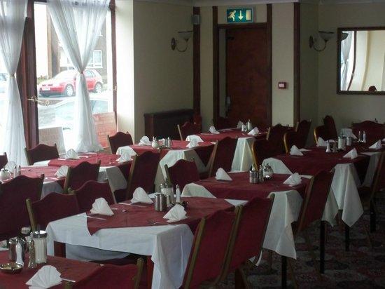 Sinatra's Hotel: Dining Room