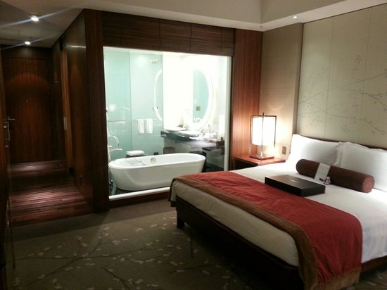 Conrad Tokyo: My room.  It's a standard King and very nice!