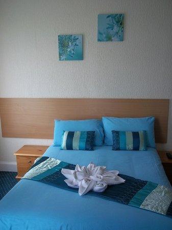 Sinatra's Hotel: Guest Bedroom