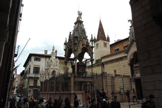 Romeo's House (Casa di Romeo): Alrededores de la casa