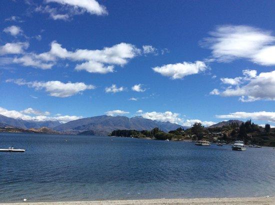 Lake Wanaka : lake