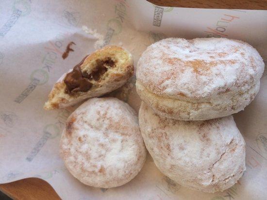 Bagiatiko Food Bar: Amazing doughnuts filled with Nutella!!
