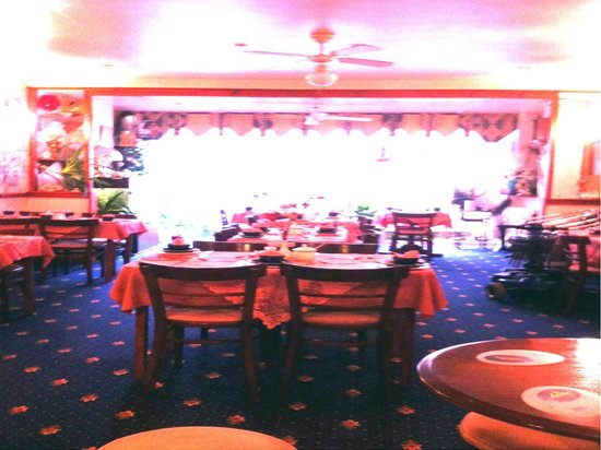 Willow Grove Hotel: dinning room