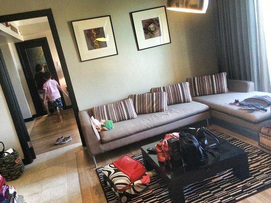 Mövenpick Hotel Mactan Island Cebu: living area