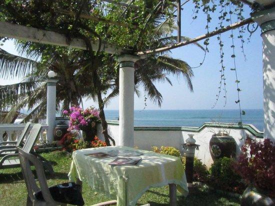 Ocean View Guest House: La rerrasse pour le petit déjeuner
