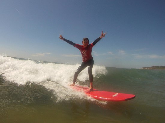 Nick Thorn Surf School: Sunshine, waves and smiles!