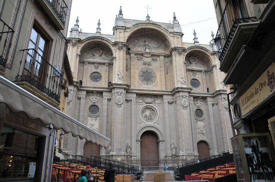 Catedral y Capilla Real: 外観