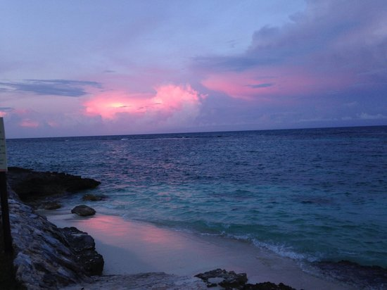 Club Med Cancun Yucatan : Jade's private beach isn't really a beach but it is a quiet, gorgeous retreat for reflection.