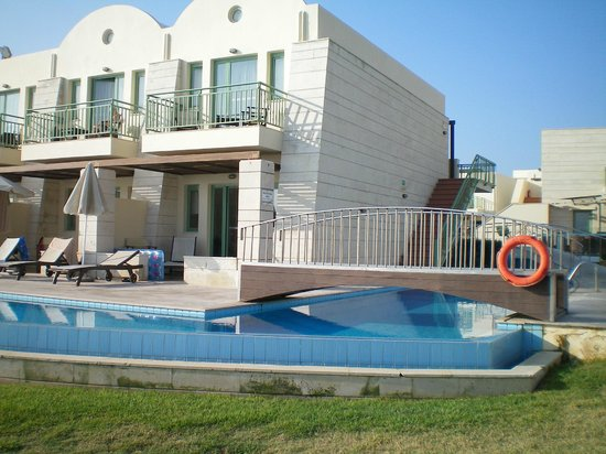 Grand Bay Beach Resort : Τα δωμάτια με δική τους πισίνα.