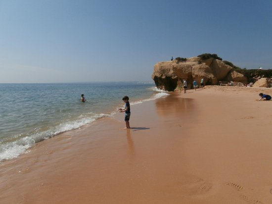 Praia Gale : calm waters this day