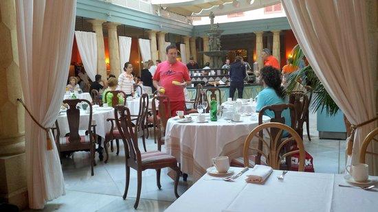 Hotel Santa Catalina: Salón para el desayuno