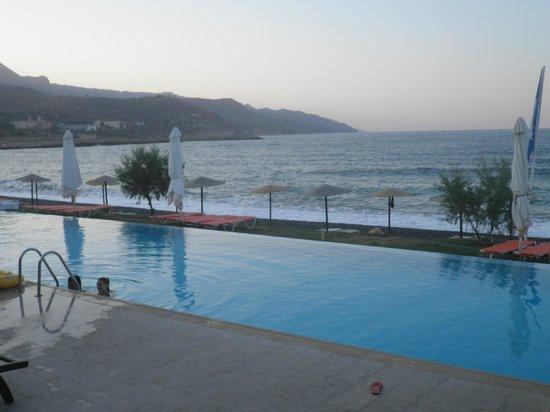 Grand Bay Beach Resort: θέα από ισόγειο δωμάτιο