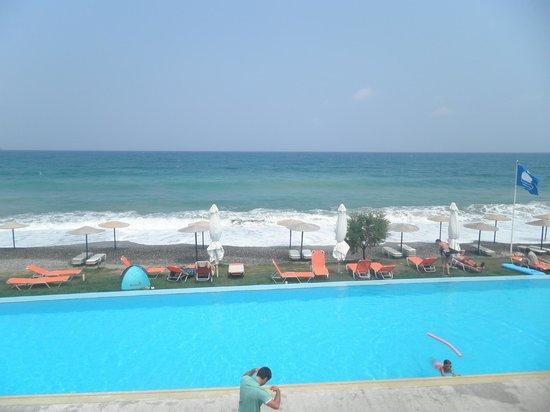 Grand Bay Beach Resort: θέα από το δωμάτιο πάνω από την κεντρική πισίνα