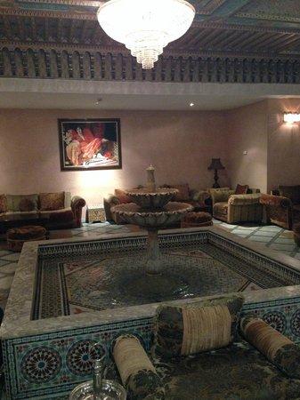 Zalagh Parc Palace : Холл отеля