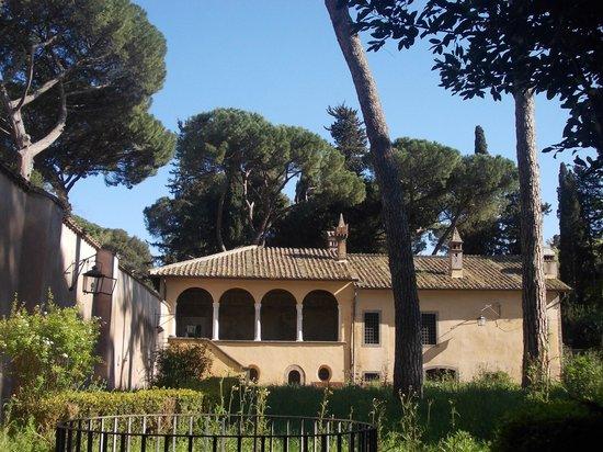 Casina Del Cardinal Bessarione: casina c.bessarione - esterno 1