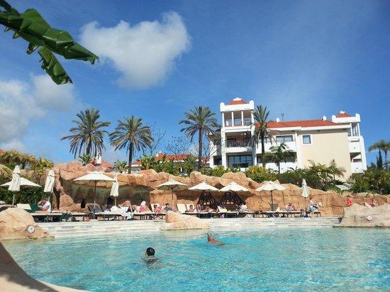 Hilton Vilamoura As Cascatas Golf Resort & Spa: pool area