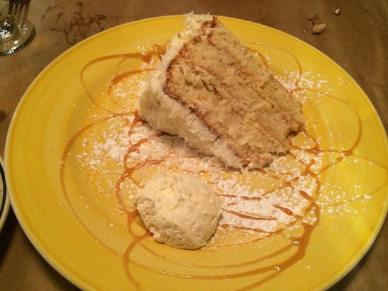 Lilly's On The Canal: Coconut Cake. Yum!!!!