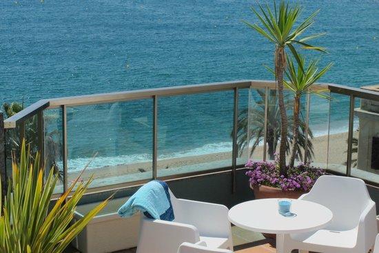 Hotel Miramar: terraza piscina