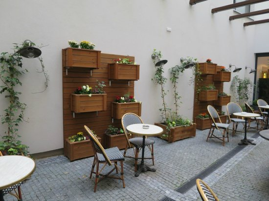 Hotel UNIC Prague: Pátio interior