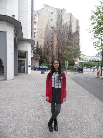 Ibis Tour Eiffel Cambronne: em frente ao hotel