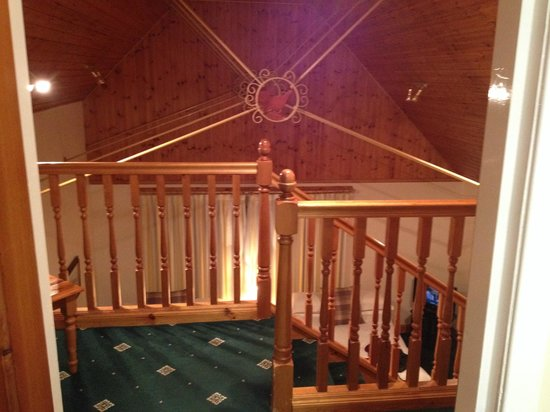 Myrtle Bank Guest House: Split level room - view from upstairs balcony