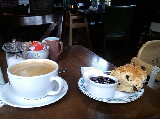 Piecebox: coffee and scones